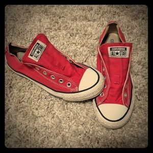Red Converse all stars size 6 men, 8 women